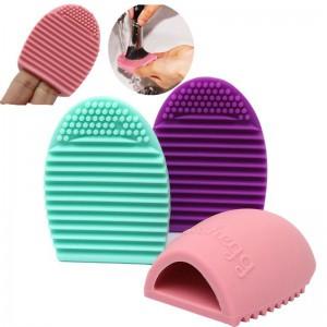 BrushEgg - перчатка для очищения и хранения кистей для макияжа